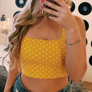 FOREVER 21 YELLOW CROP TOP SIZE MEDIUM